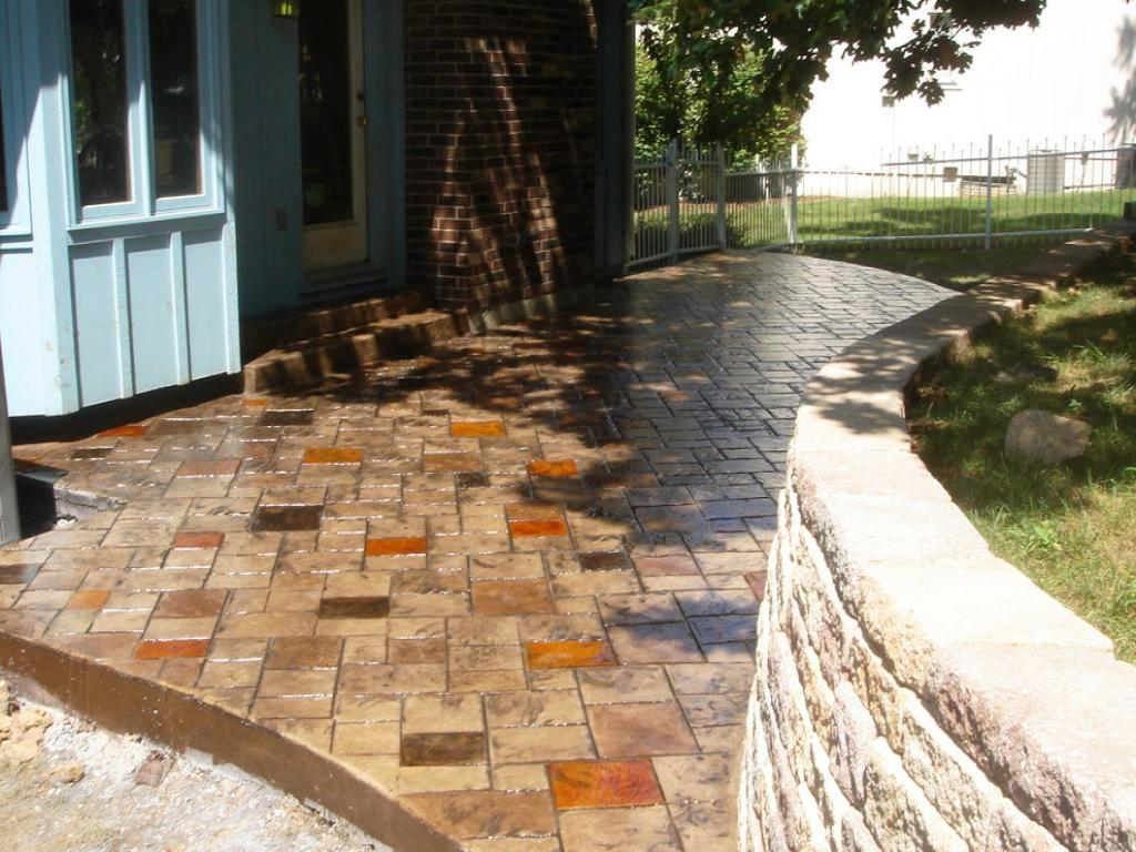 Concrete Patio Ideas For Small Yards : Schmidt Gallery ...