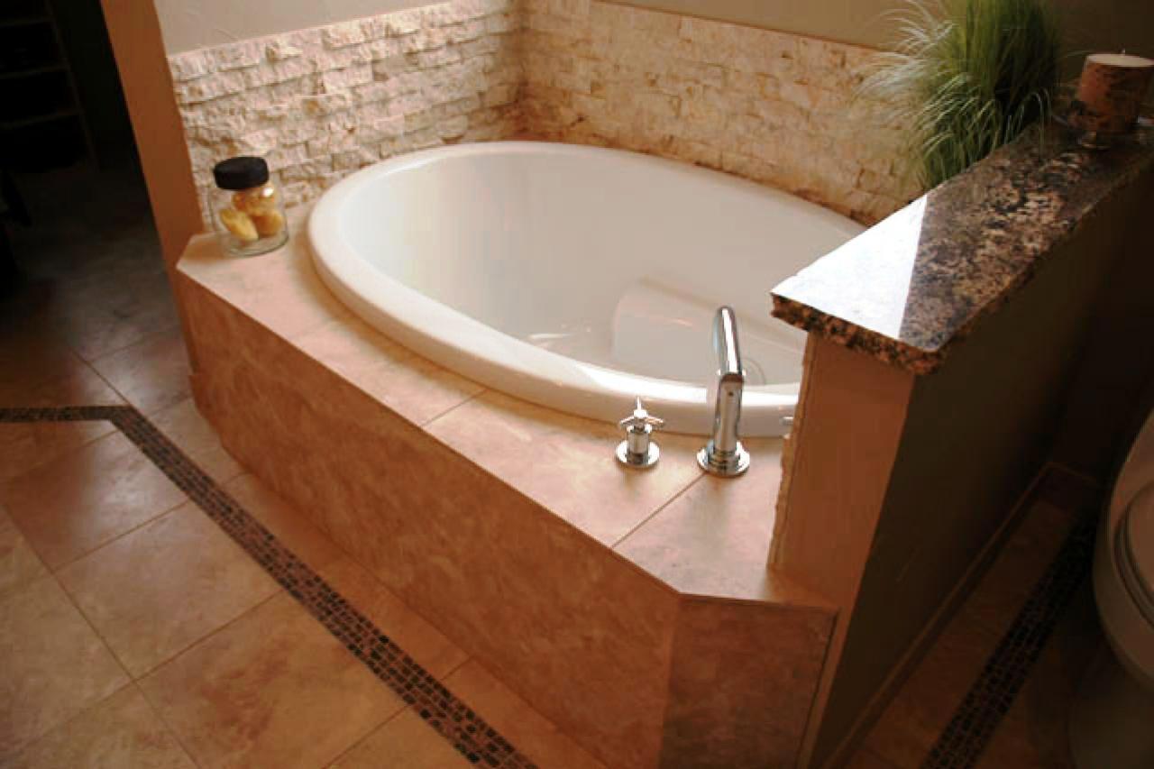 Short Bathtubs For
