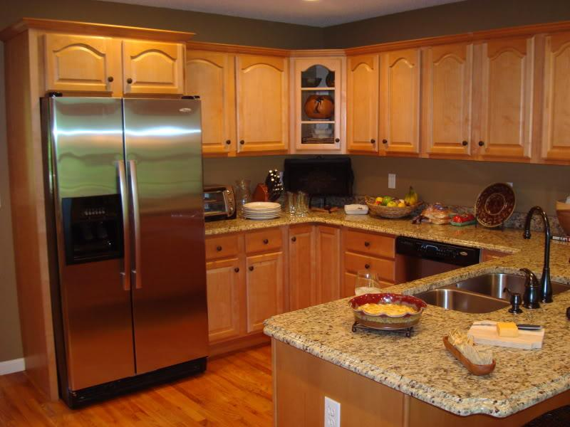 Famous Paint Colors For Kitchens With Golden Oak Cabinets